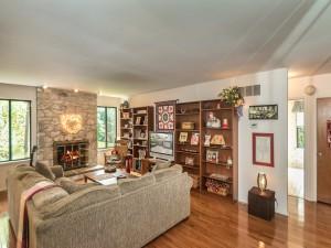 3100 Adams Way Ambler PA 19002-MLS_Size-004-6-Family Room-1440x1080-72dpi