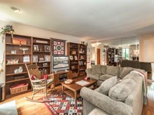 3100 Adams Way Ambler PA 19002-MLS_Size-006-18-Family Room-1440x1080-72dpi